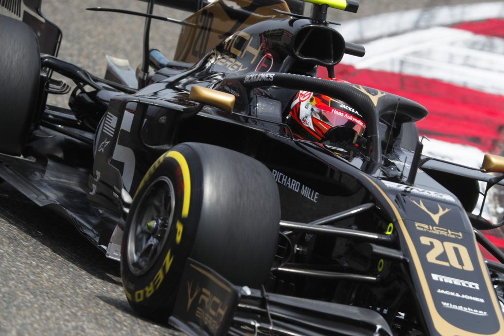 Kevin Magnussen Qualifying for Chinese GP
