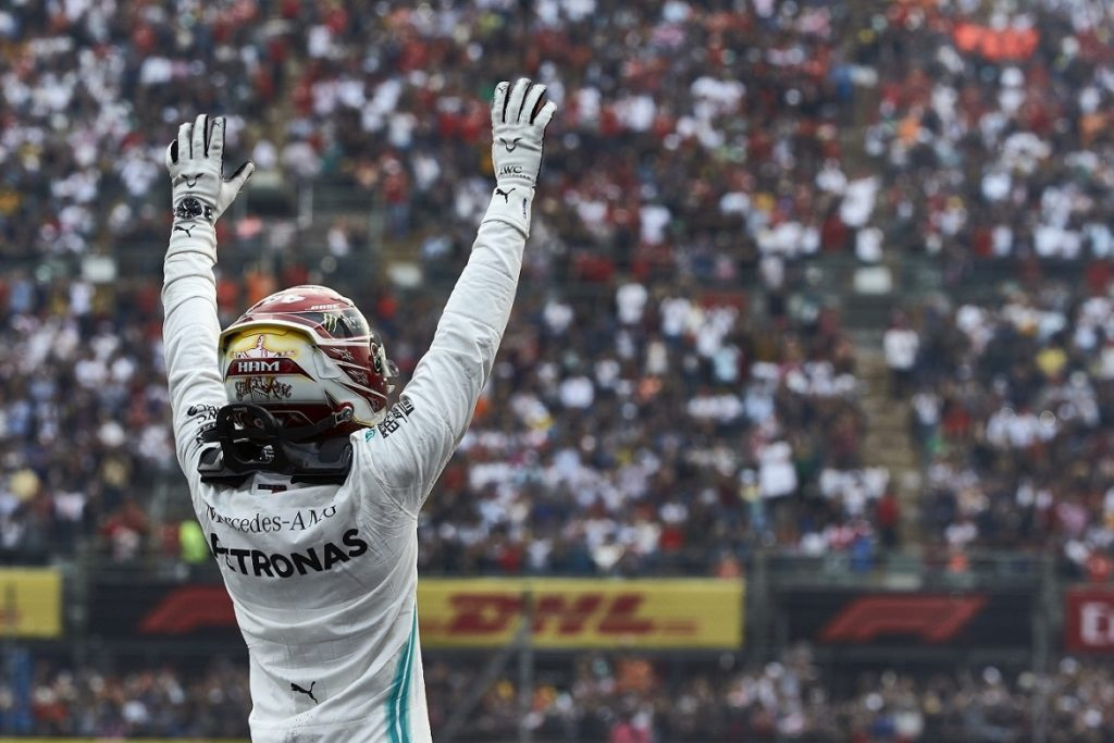 Lewis Hamilton wins the Mexican Grand Prix
