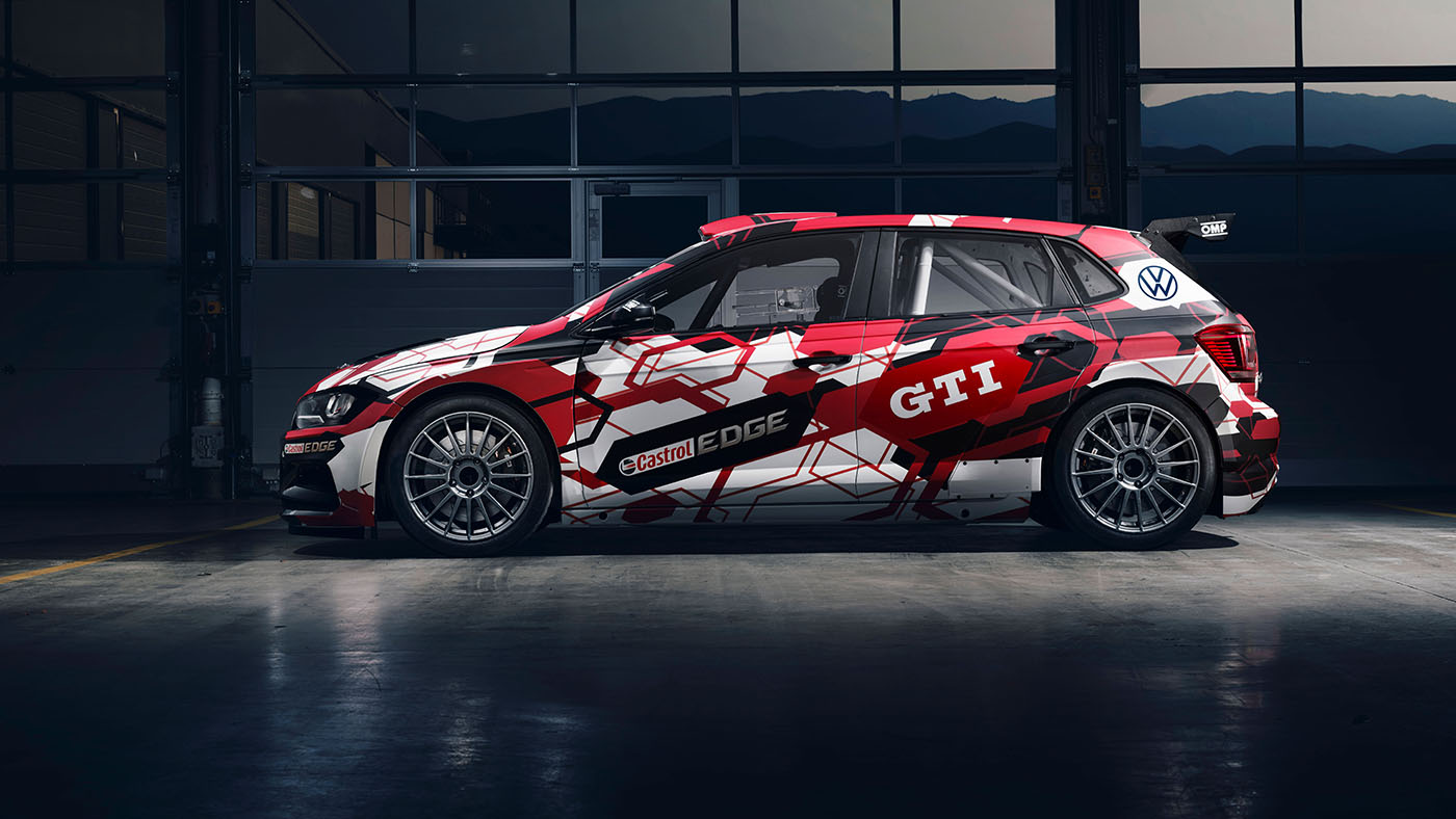 Side view of the Front view of the GTI R5