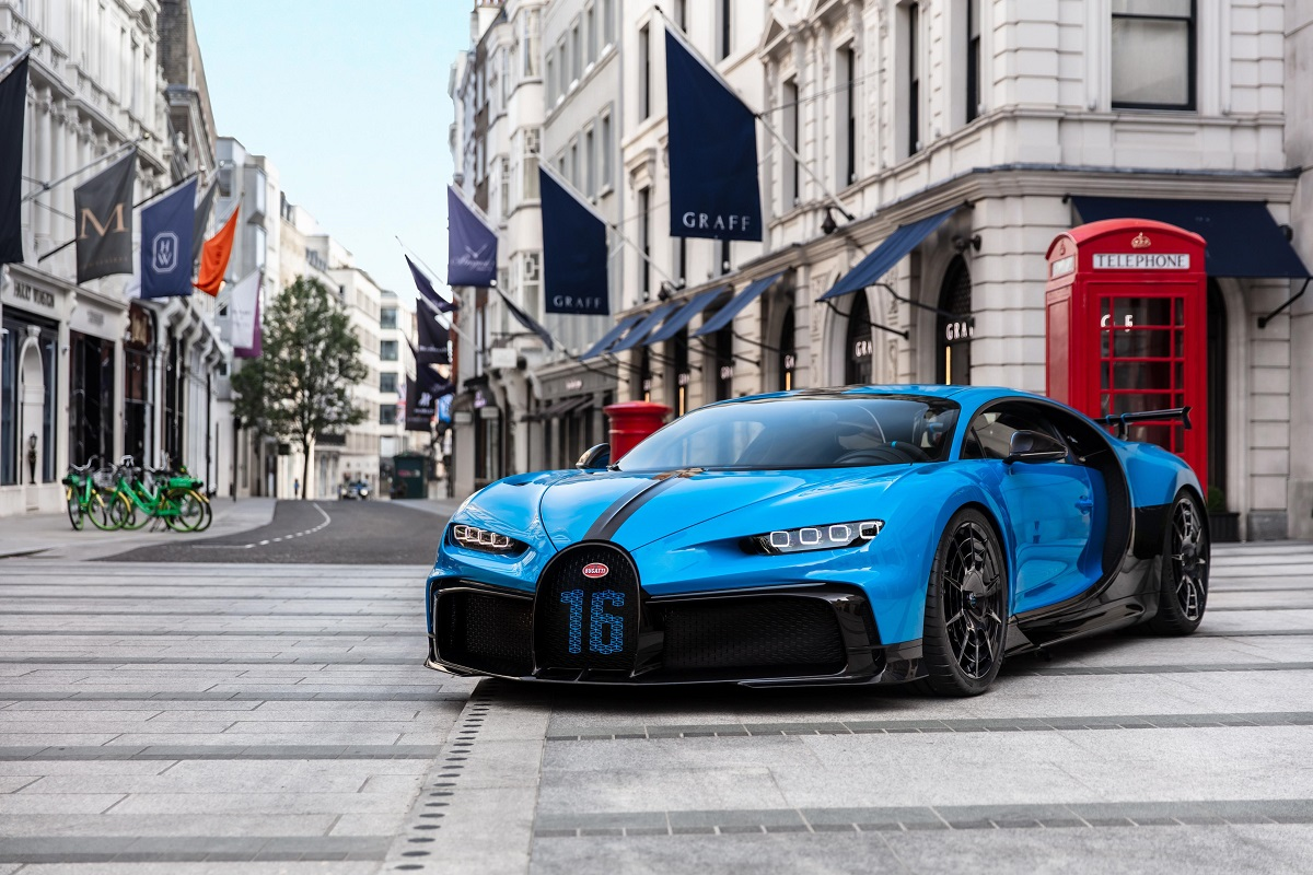 The Chiron Pur Sport in Mayfair
