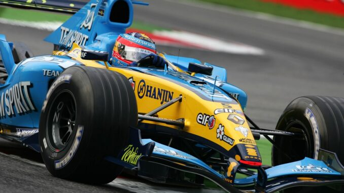 Fernando Alonso in his Renault